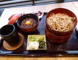 〔今月のイチオシ〕割子蕎麦とぜんざいセット 1,080円